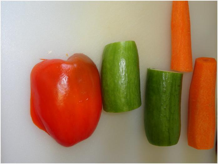 """ירקות חצויים ו""""לחי"""" גמבה"""