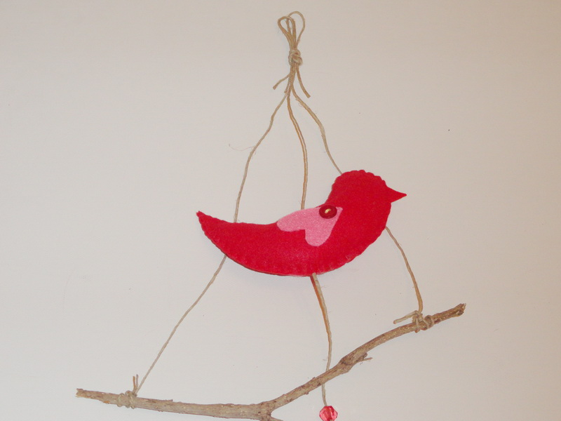 ציפור עם מקל
