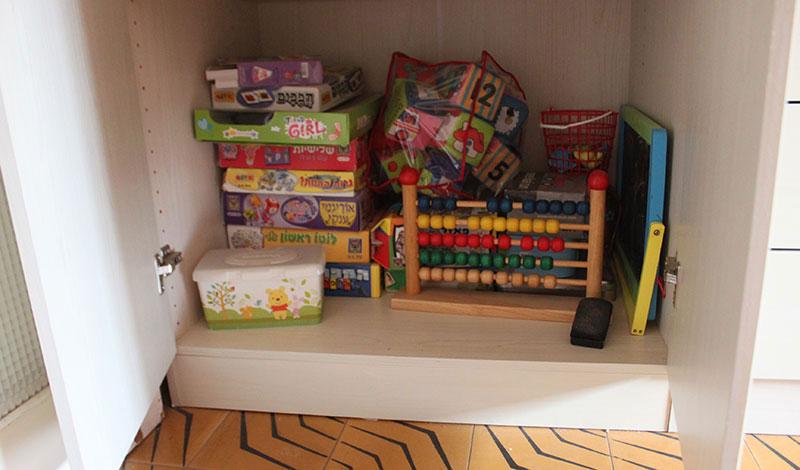 אחסון צעצועים בארון